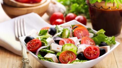 22176.recette-la-salade-grecque.w_1280.h_720.m_zoom.c_middle.ts_1379337200.