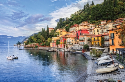 Town-of-Menaggio-on-lake-Como-Milan-Italy