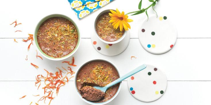 mousse-au-chocolat-aux-fleurs-sechees