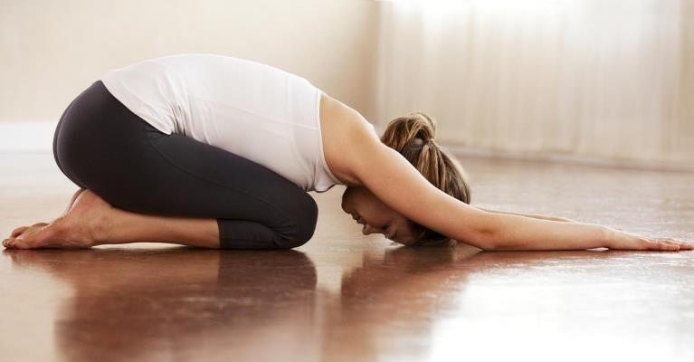 sept-positions-de-yoga-pour-bien-dormir