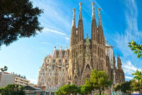 after-133-years-of-construction-the-sagrada-familia-is-finally-almost-done_887_591